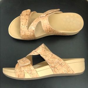 Vionic Cork/Gold Sandals